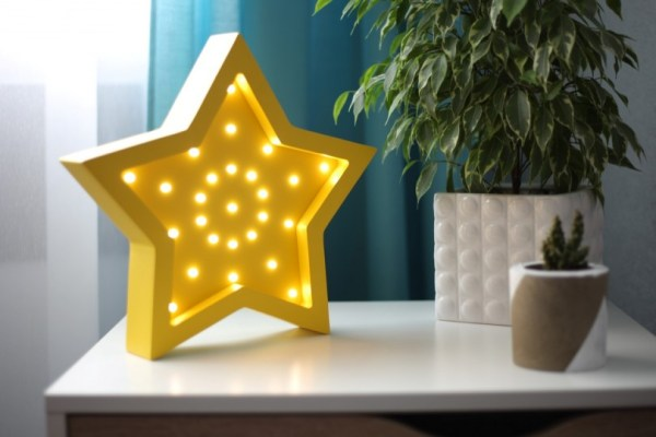 Star Wooden Night Light – Yellow