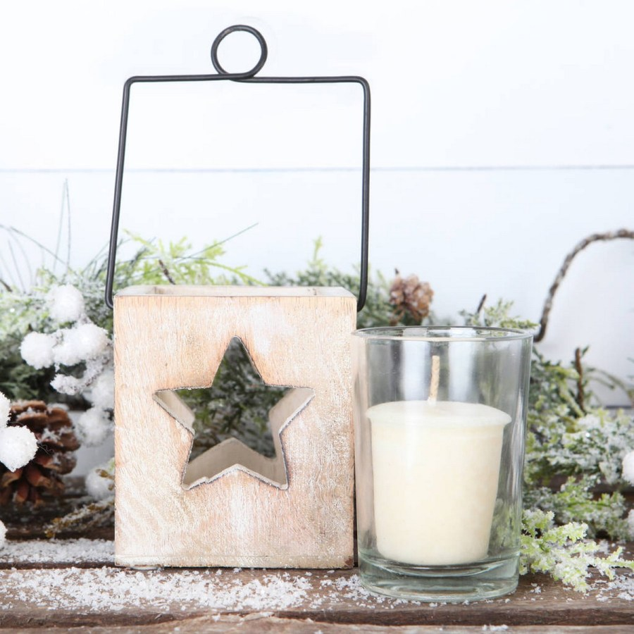 What better way to accentuate the beauty of candlelight than an elegant candle holder?