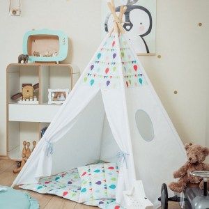 Let your little ones create their own little world with the Balloons Children's Teepee Set. It creates the perfect setting for imaginative role play providing endless hours of fun.