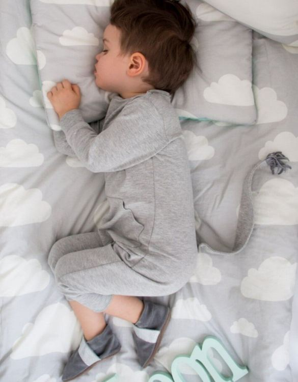 Give your little one's room the 'wow' factor with the Pink & Grey Clouds Children's Bedding Set. A reversible single duvet cover that makes every bedtime adventure children can't wait to begin.