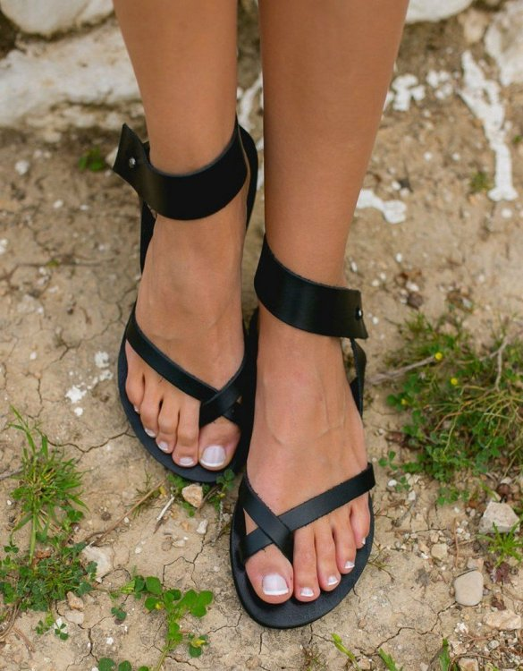 Just what every summer wardrobe needs, the Penelope Greek Leather Sandal is every woman's dream pair, super comfy and elegant, and easily combined with any outfit.
