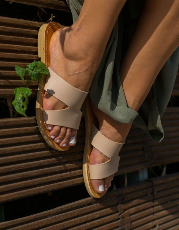 Just what every summer wardrobe needs, the Pythia Nude Greek Leather Sandal is every woman's dream pair, super comfy and elegant, and easily combined with any outfit.