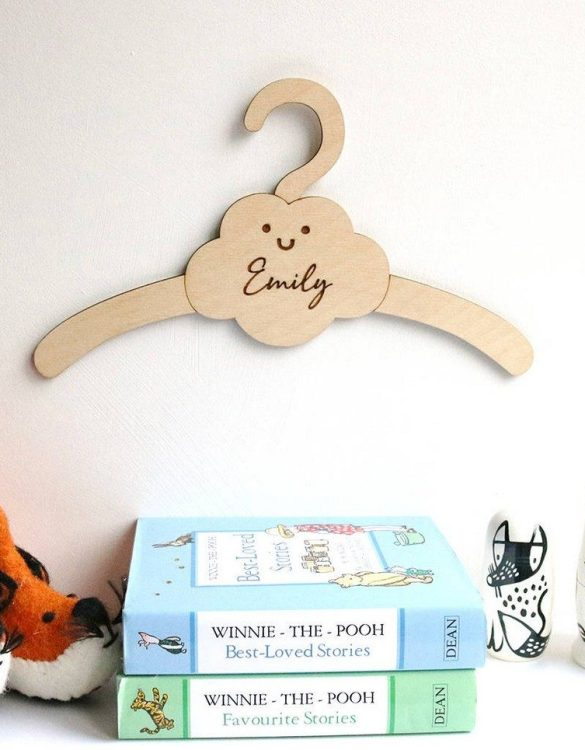 A sweet way to hang your baby clothes or to use as an everyday storage solution, the Little Cloud Baby Coat Hanger adds a touch of elegance to your wardrobe or downstairs coat closet.
