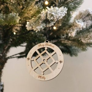 A family treasure to be displayed year after year, the Snow Crystal Christmas Bauble makes a thoughtful gift and adds a personal touch to any Christmas tree to celebrate Baby's First Christmas.
