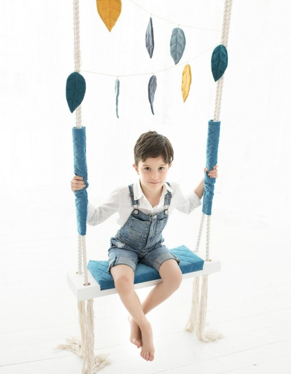 A lovely gift for a little girl or boy, the Blue Velvet Wooden Swing Set is perfect for home, backyard or terrace use.