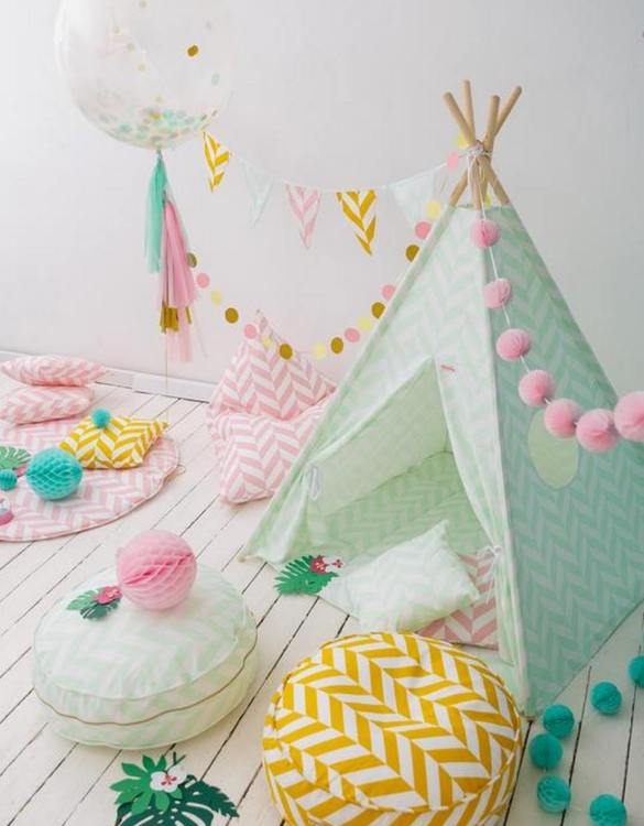 Let your little ones create their own little world with the Mint Herringbone Children's Teepee Set. It creates the perfect setting for imaginative role play providing endless hours of fun.