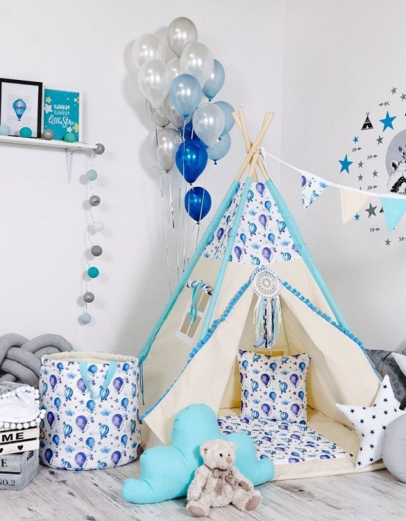 Give your little one the space they need to let their imagination flow with the Child's Teepee Set Happy Balloons. This handcrafted children's teepee tent is a versatile play space which is as beautiful as it is fun.
