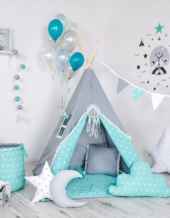 Give your little one the space they need to let their imagination flow with the Child's Teepee Set Iceland. This handcrafted children's teepee tent is a versatile play space which is as beautiful as it is fun.