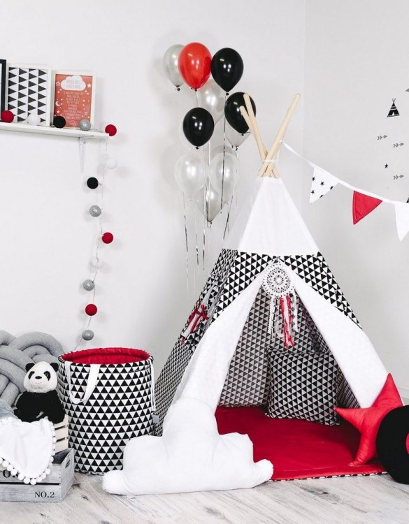 Give your little one the space they need to let their imagination flow with the Child's Teepee Set Iconic Spark. This handcrafted children's teepee tent is a versatile play space which is as beautiful as it is fun.