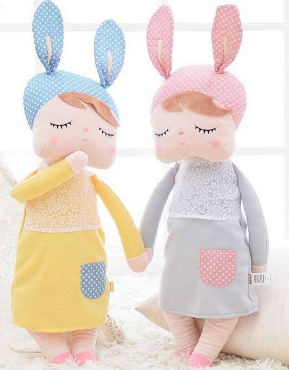 Perfect to capture the essence of an idyllic childhood, the Personalised Metoo Doll Yellow makes the perfect gift for your little one. This personalised baby doll is a really popular gift for little girls and is suitable for newborn babies too.