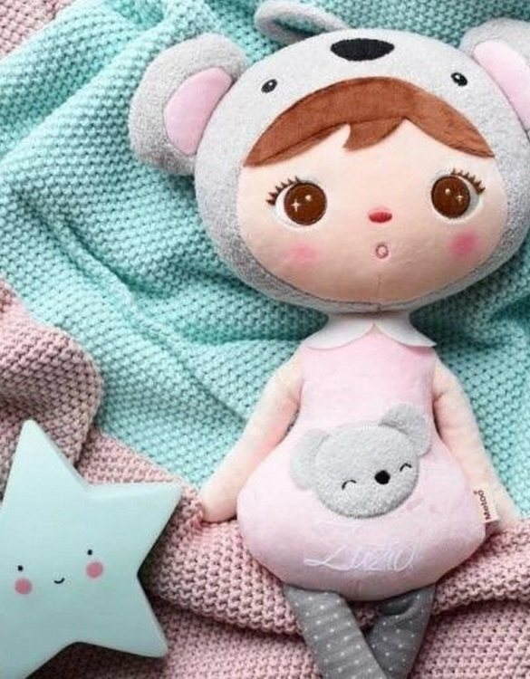 Perfect to capture the essence of an idyllic childhood, the Personalised Soft Dolls Koala makes the perfect gift for your little one. This personalised baby doll is a really popular gift for little girls and is suitable for newborn babies too.