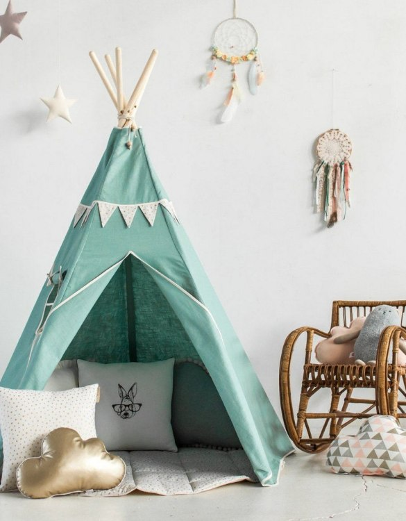 A beautifully handcrafted playtent for little adventurers, the Gold Star Children's Play Teepee is a versatile play space which is as beautiful as it is fun. Younger children will enjoy playing camp, hosting a tea party and allowing their imagination to run free (a shop one day a space rocket the next!).