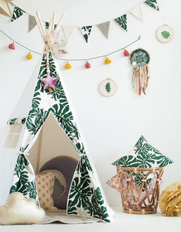 A beautifully handcrafted playtent for little adventurers, the Green Leaves Children's Play Teepee is a versatile play space which is as beautiful as it is fun. Younger children will enjoy playing camp, hosting a tea party and allowing their imagination to run free (a shop one day a space rocket the next!).