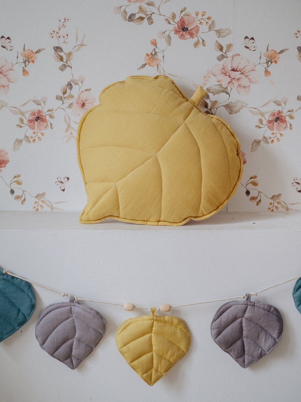 Honey Linen Leaf Cushion