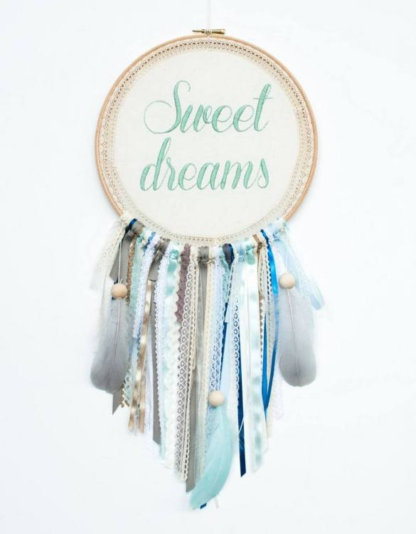Perfect for a nursery or child's bedroom, the Mint Sweet Dreams Handmade Dream Catcher looks great as a new baby gift or to hang in the baby's nursery. Dream catchers are totems that represent good energy, and neutralize negative energy at home.