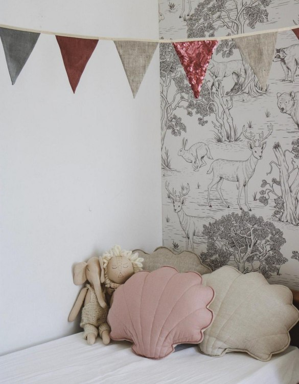 A great way to brighten up your child's room, the Powder Pink Linen Shell Cushion is perfect for colour lovers young and old, equally at home in an eclectic living room or a teenage bedroom. Brighten up your child's room or play space with this playful and charming character.