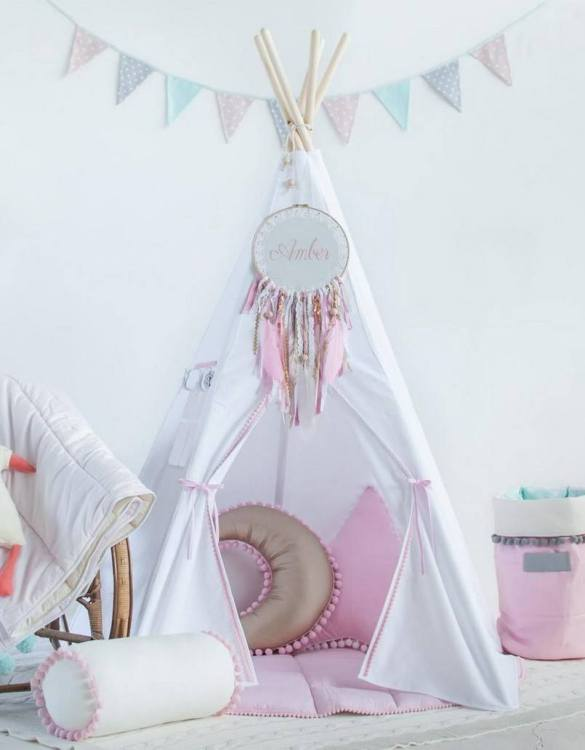 A beautifully handcrafted playtent for little adventurers, the Snow White Children's Play Teepee is a versatile play space which is as beautiful as it is fun. Younger children will enjoy playing camp, hosting a tea party and allowing their imagination to run free (a shop one day a space rocket the next!).