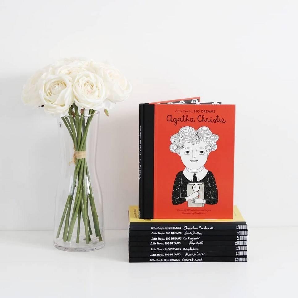 Little People, Big Dreams Agatha Christie