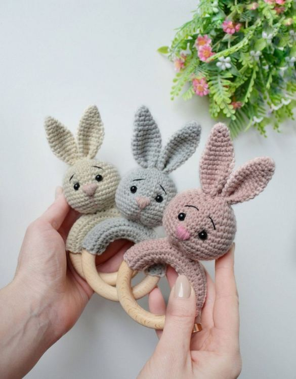 Absolutely adorable, the Personalised Bunny Baby Rattle Teether will provide hours of endless fascination. These cute little wooden baby rattles come with a wooden ring, which is perfect for baby play and to practice hand movement.