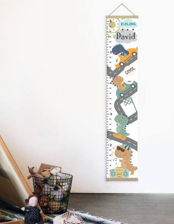 How high are your little creatures? Chart your child's growth development with the Personalised Dino Child Growth Chart. This personalised growth chart will look perfect in your children's bedroom, nursery or playroom.