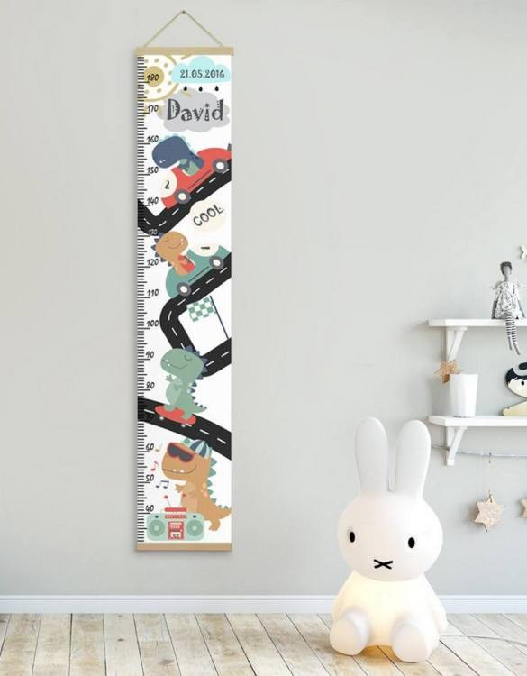 How high are your little creatures? Chart your child's growth development with the Personalised Dinosaur Child Growth Chart. This personalised growth chart will look perfect in your children's bedroom, nursery or playroom.