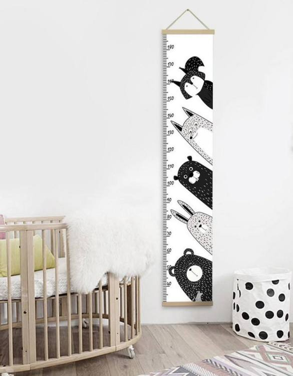 How high are your little creatures? Chart your child's growth development with the Personalised Nordic Nursery Animals Child Growth Chart. This personalised growth chart will look perfect in your children's bedroom, nursery or playroom.