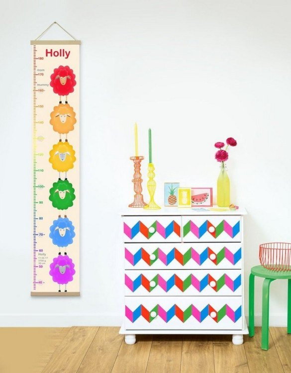 How high are your little creatures? Chart your child's growth development with the Personalised Rainbow Sheeps Child Growth Chart. This personalised growth chart will look perfect in your children's bedroom, nursery or playroom.
