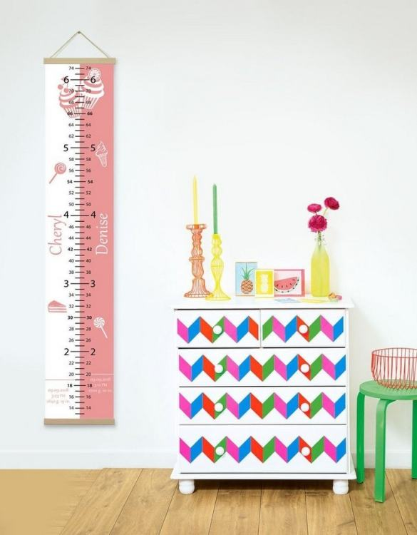 How high are your little creatures? Chart your child's growth development with the Personalised Sweet Pink Twins Growth Chart . This personalised growth chart will look perfect in your children's bedroom, nursery or playroom.