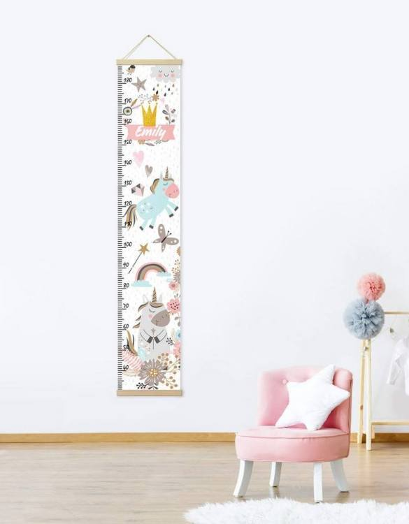 How high are your little creatures? Chart your child's growth development with the Personalised Unicorn Child Growth Chart. This personalised growth chart will look perfect in your children's bedroom, nursery or playroom.