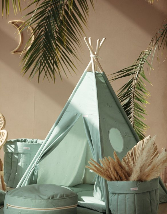 A perfect hideaway for tiny people, the Minty Green Children's Teepee Set takes you to the wonderland of fun, joy, and happiness. This decorative kids' play tent promotes imaginative play for your child and sets the perfect environment for your little one to create his own fantasy world.