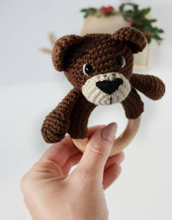 Absolutely adorable, the Personalised Bear Baby Rattle Teether will provide hours of endless fascination. These cute little wooden baby rattles come with a wooden ring, which is perfect for baby play and to practice hand movement.
