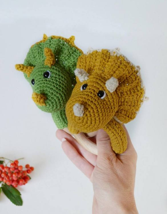 Absolutely adorable, the Personalised Dinosaur Baby Rattle Teether will provide hours of endless fascination. These cute little wooden baby rattles come with a wooden ring, which is perfect for baby play and to practice hand movement.