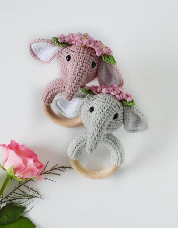 Absolutely adorable, the Personalised Elephant Baby Rattle Teether will provide hours of endless fascination. These cute little wooden baby rattles come with a wooden ring, which is perfect for baby play and to practice hand movement.