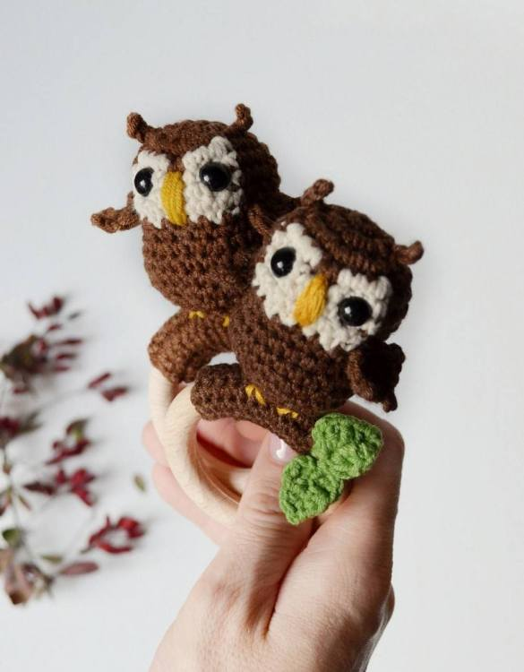 Absolutely adorable, the Personalised Owl Baby Rattle Teether will provide hours of endless fascination. These cute little wooden baby rattles come with a wooden ring, which is perfect for baby play and to practice hand movement.