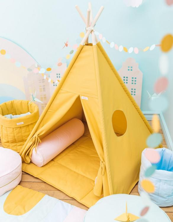 A perfect hideaway for tiny people, the Plain Mustard Children's Teepee Set takes you to the wonderland of fun, joy, and happiness. This decorative kids' play tent promotes imaginative play for your child and sets the perfect environment for your little one to create his own fantasy world.
