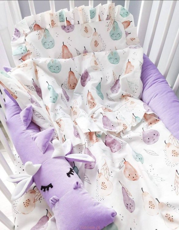 The perfect gift for any parents, the Baby Cot Bedding Set with Frills would be the perfect addition to any child's bedroom. Made from 100% soft cotton, this baby bedding set will make a lovely addition to welcome a new baby at home!
