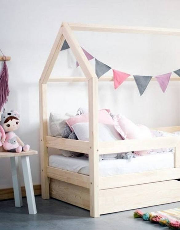 Turn bedtime into a magical adventure with the Hausbett House Bed with Safety Barrier and Drawer. An amazing Montessori bed for children where they can sleep and play.