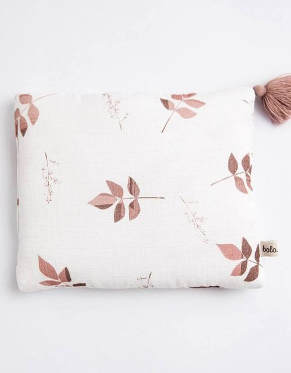 Perfect to suit your nursery theme, the Dirty Pink Leaves Baby Muslin Pillow makes going to bed something special, an ideal way to conjure up sweet dreams. The perfect way to end the day this baby head pillow makes a great addition to any child's room and is a fun way to make sure that it feels special to them.