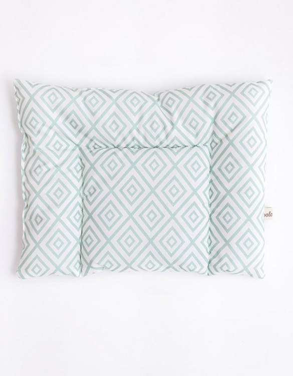 Perfect to suit your nursery theme, the Mint Diamonds Cotton Baby Pillow makes going to bed something special, an ideal way to conjure up sweet dreams. The perfect way to end the day this baby head pillow makes a great addition to any child's room and is a fun way to make sure that it feels special to them.