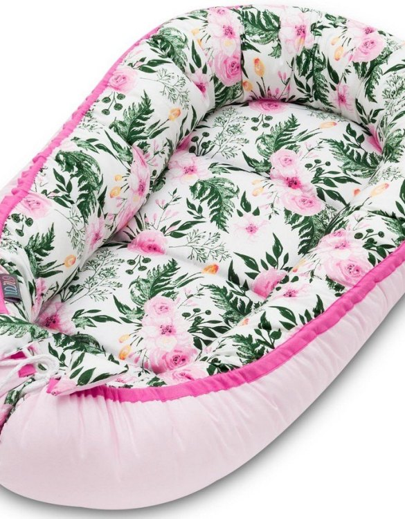 With a stylish design, the Pink Blossom Baby Nest Cocoon ensures that your baby sleeps in a cosy and soft environment, which is the best idea when a crib is still very big within the first few months.