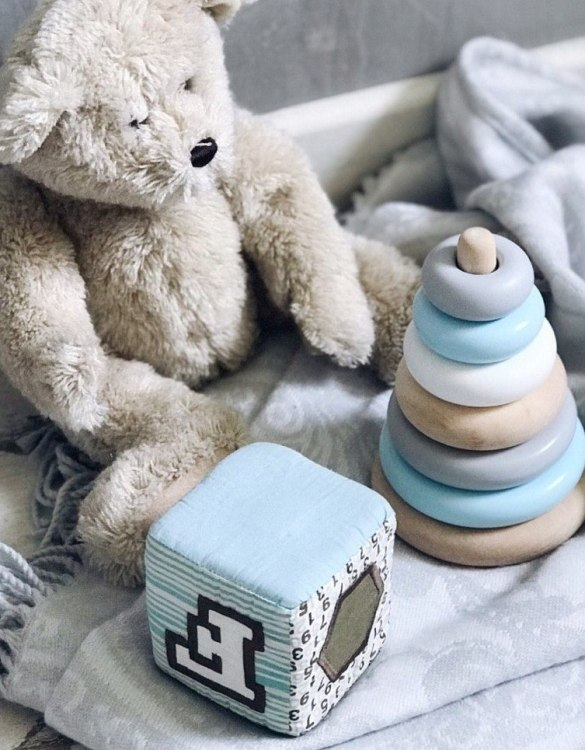 A great sensory toy for your baby, the Wooden Blue Ring Stacker Toy is the perfect introduction to encourage organisation and fine motor skills development.