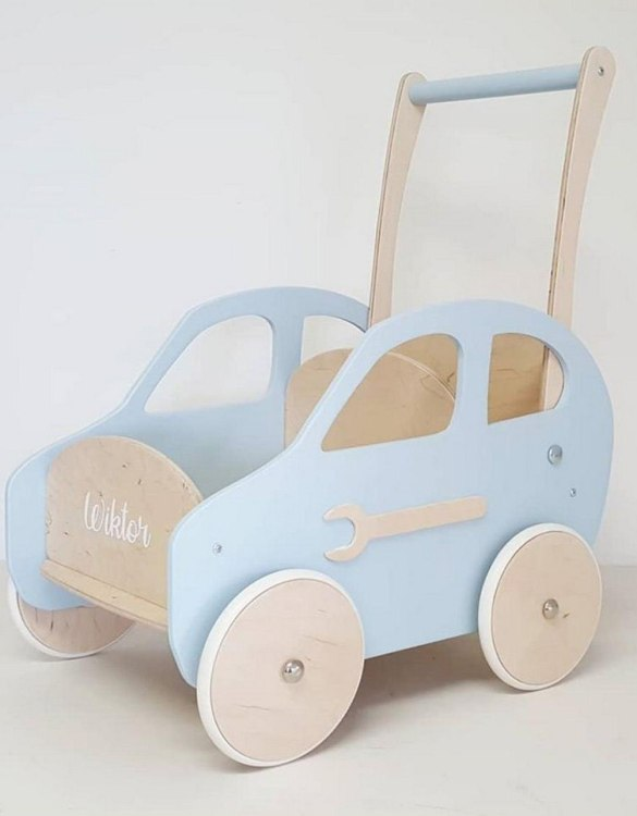 Colourful, fun and educational, the Blue Cloud Personalised Wooden Baby Walker will satisfy the most demanding children. This will fulfill their innermost dreams. A personalized wooden walker in the shape of a car for children. Thanks to it, the child will learn to walk and will have fun at the same time.