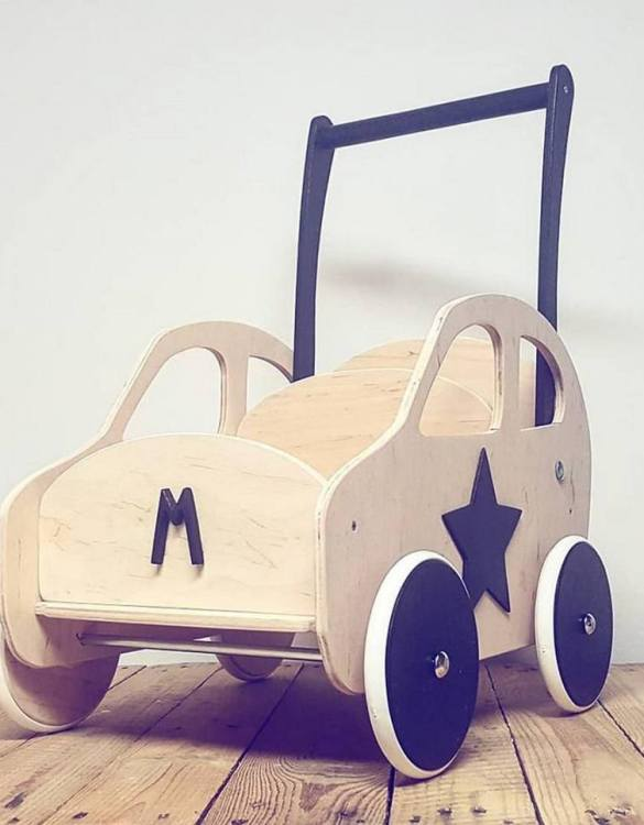 Colourful, fun and educational, the Natural Personalised Wooden Baby Walker will satisfy the most demanding children. This will fulfill their innermost dreams. A personalized wooden walker in the shape of a car for children. Thanks to it, the child will learn to walk and will have fun at the same time.