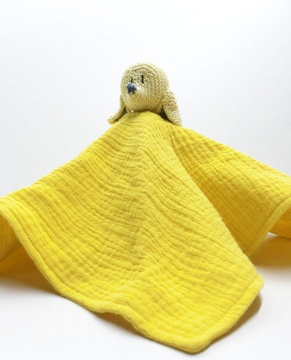 Perfect for tiny little hands to explore and hug, the Yellow Mouse Baby Comforter makes a perfect friend to every baby or toddler. This unique baby comforter toy will encourage babies to explore textures and develop their grabbing skills and become the finest puppet to engage newborns.