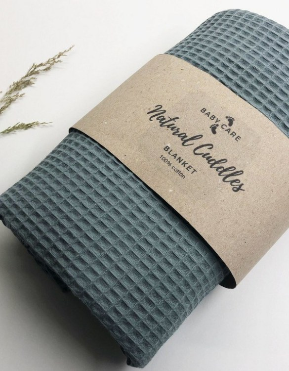Treat your little one to cosy comfort, the Old Green - Sea Green Waffle Blanket will keep baby feeling secure and warm, perfect for keeping your baby comfortable when you're out and about. A tender wrap makes your baby feel safe and secure in the big, new world.
