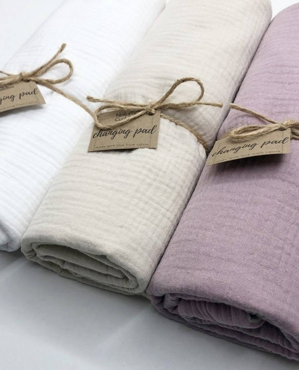 Super soft, and wipeable, the Set of 3 Changing Pads is a perfect gift for any new mum. This handmade muslin cotton and the waterproof terry changing pad is must-have for any baby from 0-36 months.