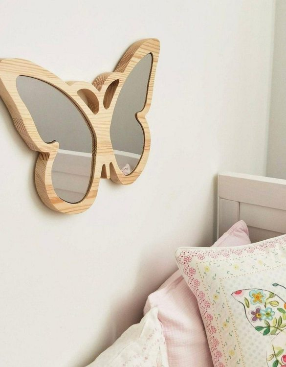 A modern design that will please you and your little one, the Solid Pinewood Mirror Butterfly fits perfectly in the nursery or kids' room. Safe and unbreakable acrylic mirror made of high-quality solid pinewood.