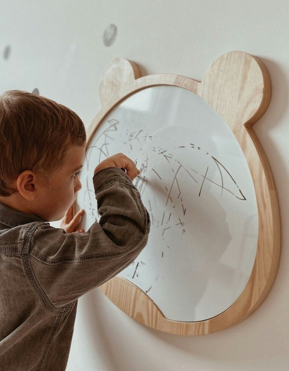Spark artistic play with the Magnetic Bear Kids Whiteboard. Just the right height for growing artists, this educational toy encourages creativity and allows little ones to develop their fine motor skills through painting, drawing, coloring, and writing.