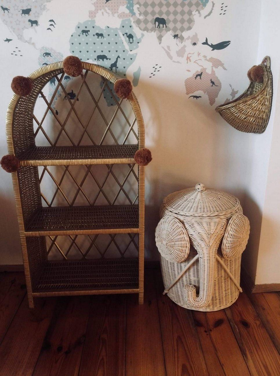Old Gold Maalum Wicker Bookshelf