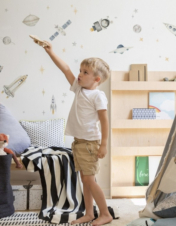 A beautiful scene for children's rooms and nurseries, the Kit with Rockets Children's Wall Sticker is the perfect addition to any empty space (like walls or furniture). These wall stickers provide a flexible and cost-effective way to decorate your home.